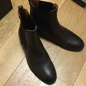 Frye Chelsea boots new with tag and box